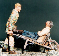 RESICAST 35-501 - GERMAN WOUNDED 1944 - 1/35 RESIN KIT