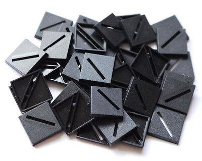 100 (cento) 25mm Square Plastica Basi War Game Ruolo Nero In Plastica- Adottare La Tecnologia Avanzata