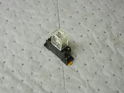 OMRON MY2-US-SV USED RELAY WITH 2-M4X10 BASE MY2USSV