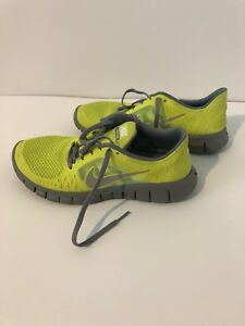 40be2a67a8eafc NIKE FREE RUN (GS) 512165-300 ATHLETIC YELLOW RUNNING SHOES SIZE 5.5 ...