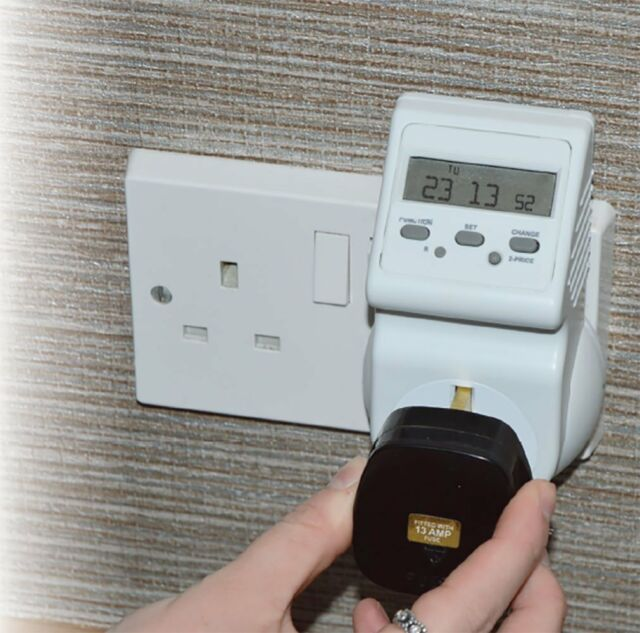 Monitor Electricity Use & Lower Your Bills Energy Consumption Cost Meter  Plug in