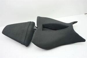 HONDA-CB-1000-R-SC60-FAHRERSITZ-SOZIUSSITZ-SITZ-SEAT-SITZBANK