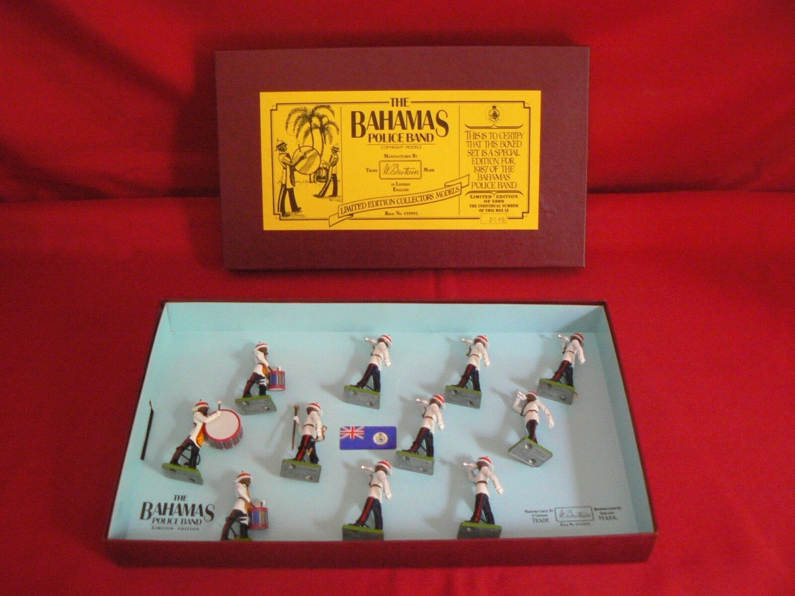 BRITAINS SET 5187 LIMITED EDITION COLLECTORS   THE BAHAMAS POLICE BAND