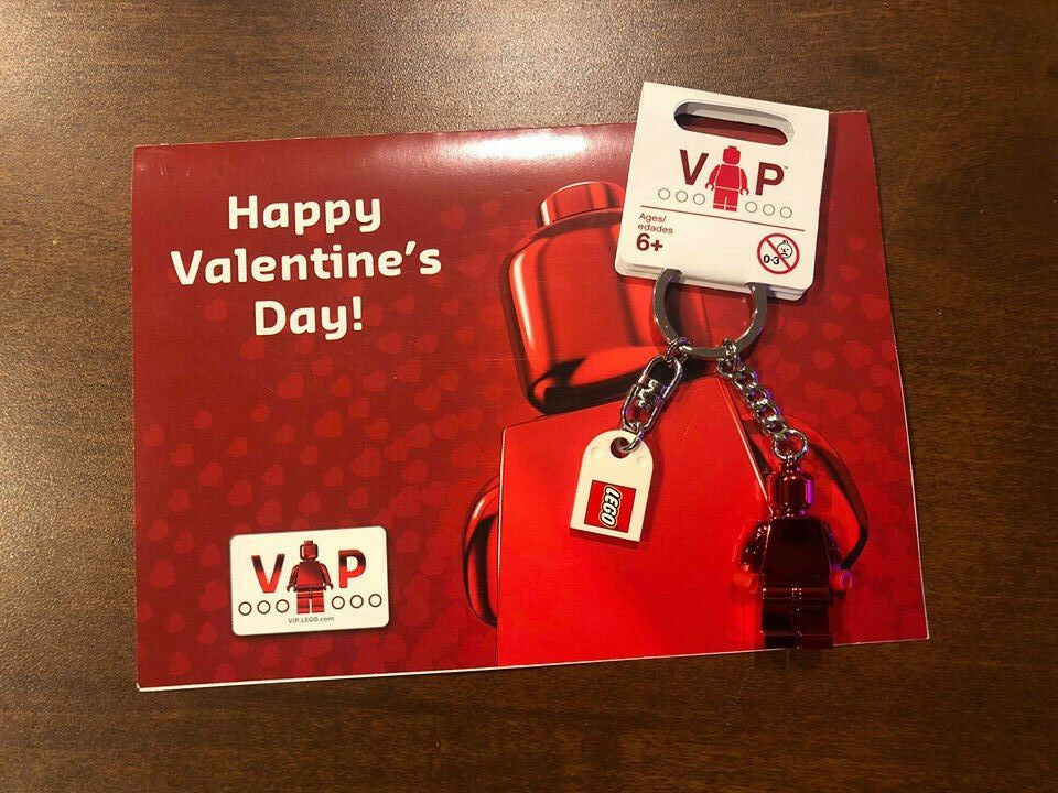LEGO - RARE VIP VALENTINE'S DAY KEYCHAIN (Never Sold) Brand New