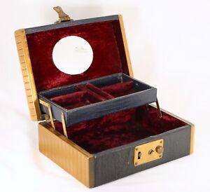 Vintage-Snake-Skin-amp-Bronze-Metal-Jewelry-Box-w-Red-Velvet-Lining-Unique