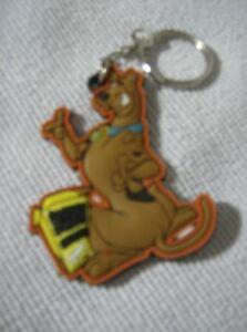 Scooby-Doo-laser-cut-keyring-posing-with-snack-box