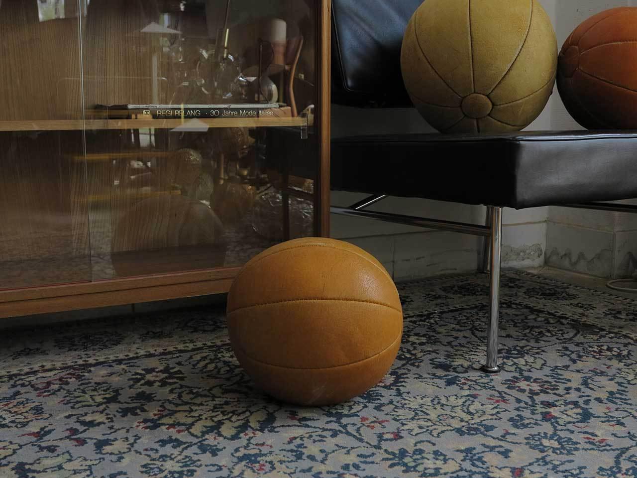 True vintage RDA medicina pelota cuero 70er 2 kg GDR Lether Ball Taucha mano cosidos
