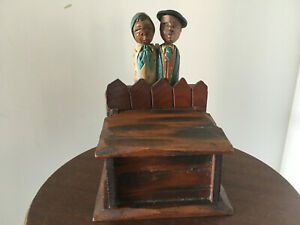Vintage-Anri-Kissing-Couple-on-key-or-what-not-box-Pop-Up-Box-hand-Carved-amp-pai