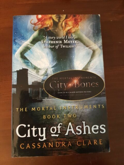 Mortal Instruments Bk 2: City Of Ashes by Cassandra Clare book FAST FREE POST