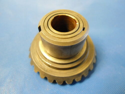 377152 Front Gear and Bushing 1960 Evinrude 5.5 hp Model 5520