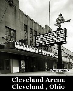 AHL-Cleveland-Arena-Home-of-the-Cleveland-Barons-Black-amp-White-8-X-10-Photo-Pic