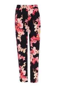 Wallis-Black-Tropical-Floral-Jogger-12
