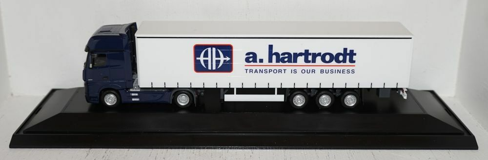 Herpa MB ACTROS GIGASPACE  A. hartrodt  Curtains Tarpaulin 1 87 in PC box (R1_4_7)