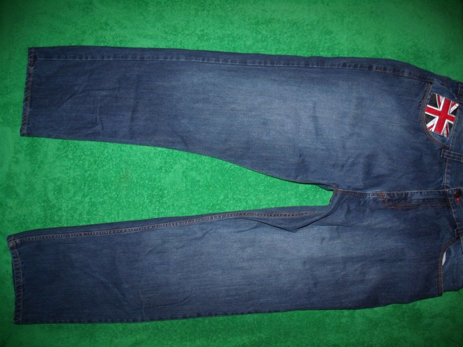 2e2b1404 Men's COOGI all cotton relaxed straight leg jeans size 44x34. Diesel ...