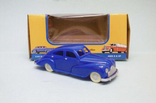 VOITURE PLASTIQUE SEDAN bleu jouet vintage 30084 Neuf 1//43 American Dimestore