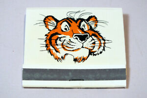 Vtg-Esso-Humble-Exxon-Tiger-in-Your-Tank-Front-Strike-Match-Book-Match-Cover
