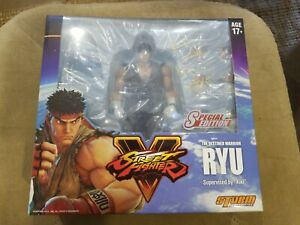 Costume Storm Collectibles Ryu Brown Street Fighter 2017 Nycc Signé Par Kiki