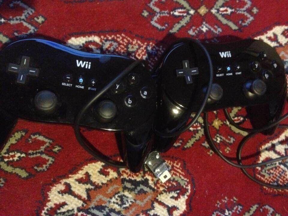 Nintendo Wii, Wii pro controller, God