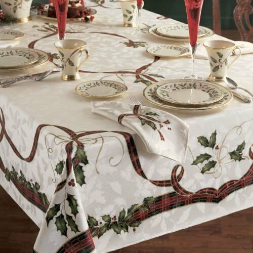 NWOT Rectangular CHRISTMAS TABLECLOTH By LENOX Xmas HOLIDAY NOUVEAU 104  x 60