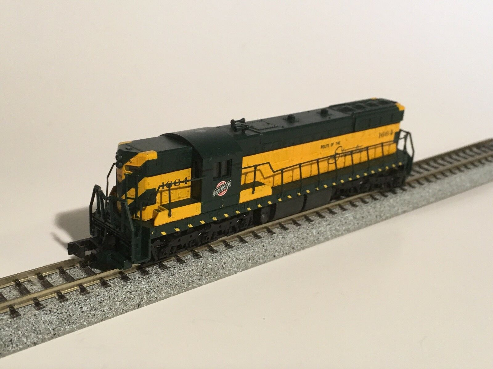 N SCALE CARGO TRAIN SET FROM PRIVATE 90'S COLLECTION - NEW