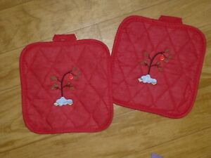 Christmas Grinch embroidered pot holder red and white check