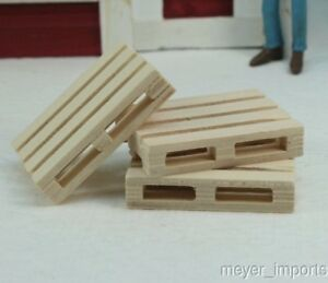 Wooden-Pallets-set-of-4-G-Scale-106-0761