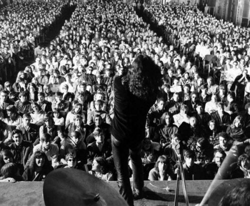 On stage at Fillmore East L5247 1968 Jim Morrison UNSIGNED photograph