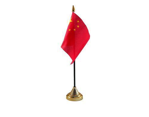 La Chine Main Table ou brandissant drapeau pays chinois