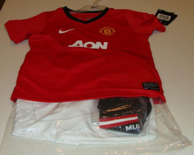 Manchester United 2013-14 L Age 6/7 Little Boys Soccer Kits Jersey Shorts Socks