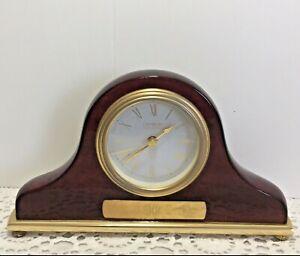 Vtg-Estate-Danbury-Clock-Company-Cherry-Wood-Mantle-Quartz-Clock-German-Movement