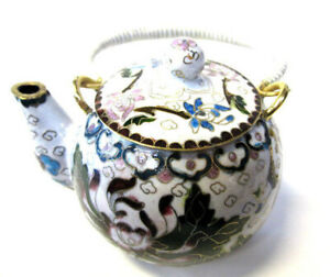 Chinese-Vintage-Collectible-White-Cloisonne-Tea-Pot-Bronze-Brass-Copper-Enamel