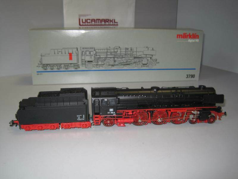 marklin HO 3790 BR 011 011 0569 DB tedesca a vaporeLok NUOVO  MARKLIN