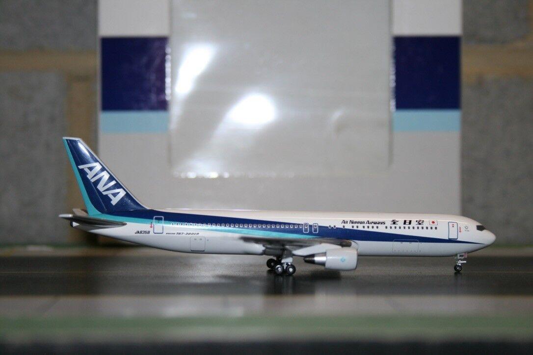 Aeroclassics 1 400 ANA All Nippon Boeing 767-300 JA8358 (ACJA8358) Model Plane