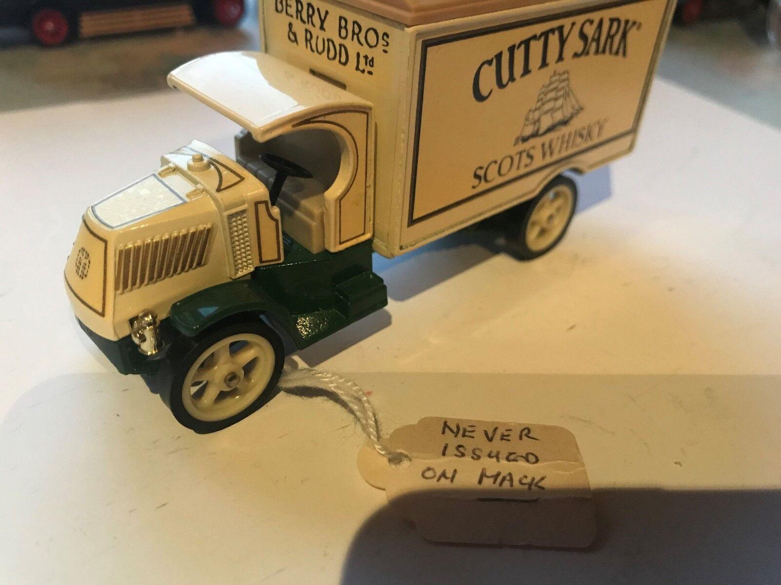 Crema rara, YY-30 Mack,  Cutty Sark  de agua caja de pre-pro-no de etiquetas, MoY,
