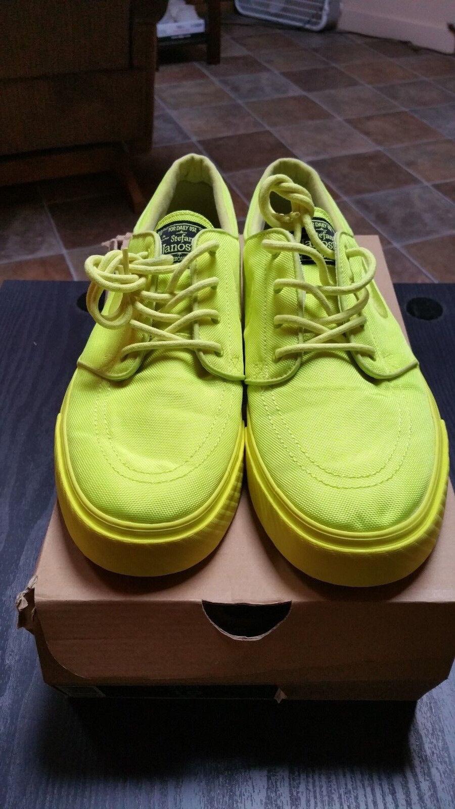 Nike Stefan Janoski mens shoes neon yellow 333824-770 size US 10 LEMON TWIST