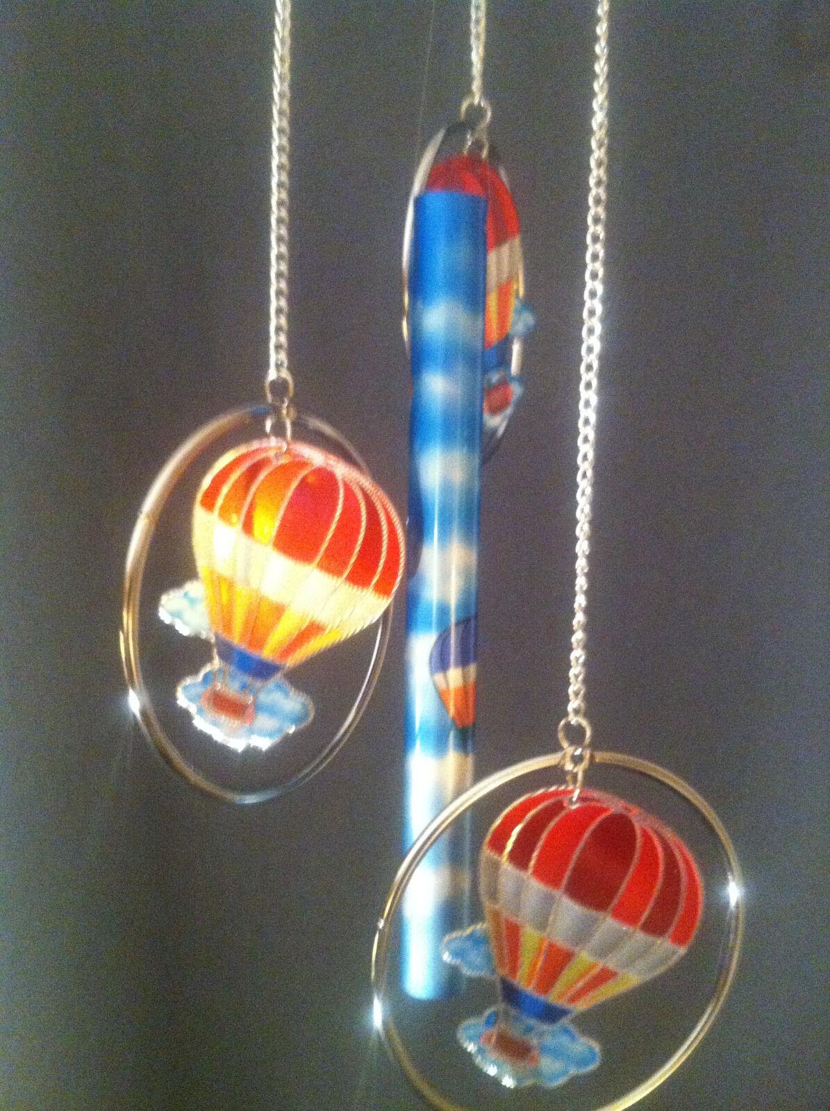 Cadona 3-Ring Aluminum Decorative Multicolor Hot Air Ballooons Wind Chime
