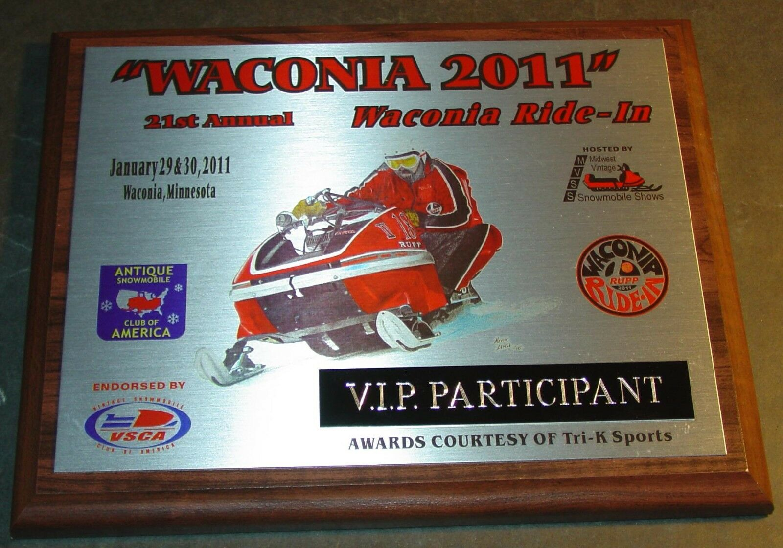 WACONIA 2011 RUPP V.I.P. PARTICIPANT COLLECTIBLE PLAQUE NEW (793)
