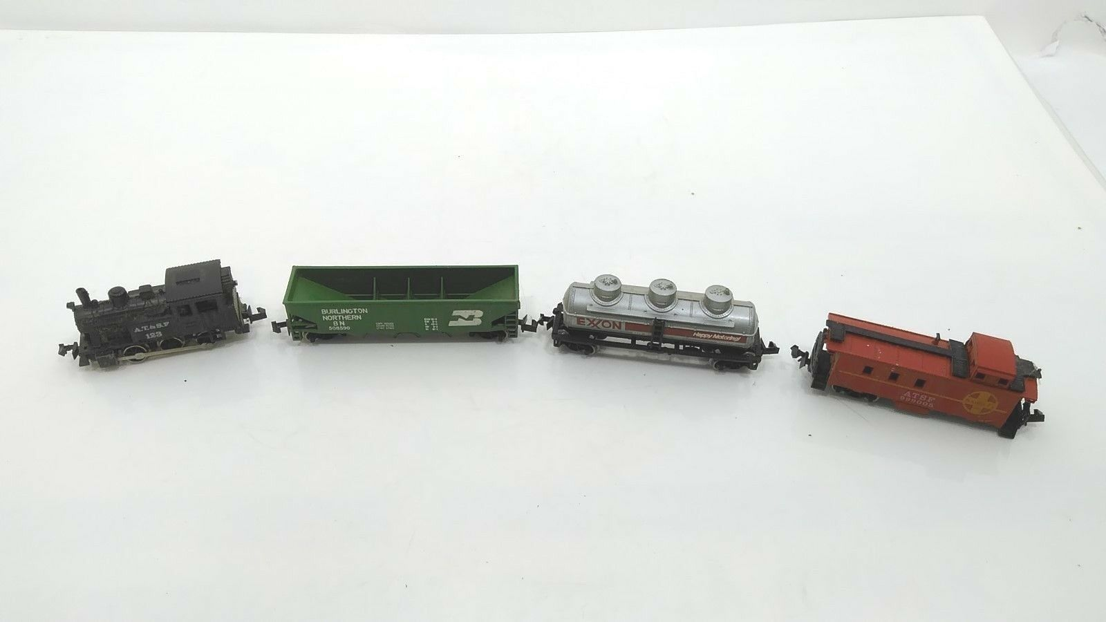 AT&SF 123 N Gauge Scale Switcher Exxon, Santa Fe 999005 Burlington 508590 Parts