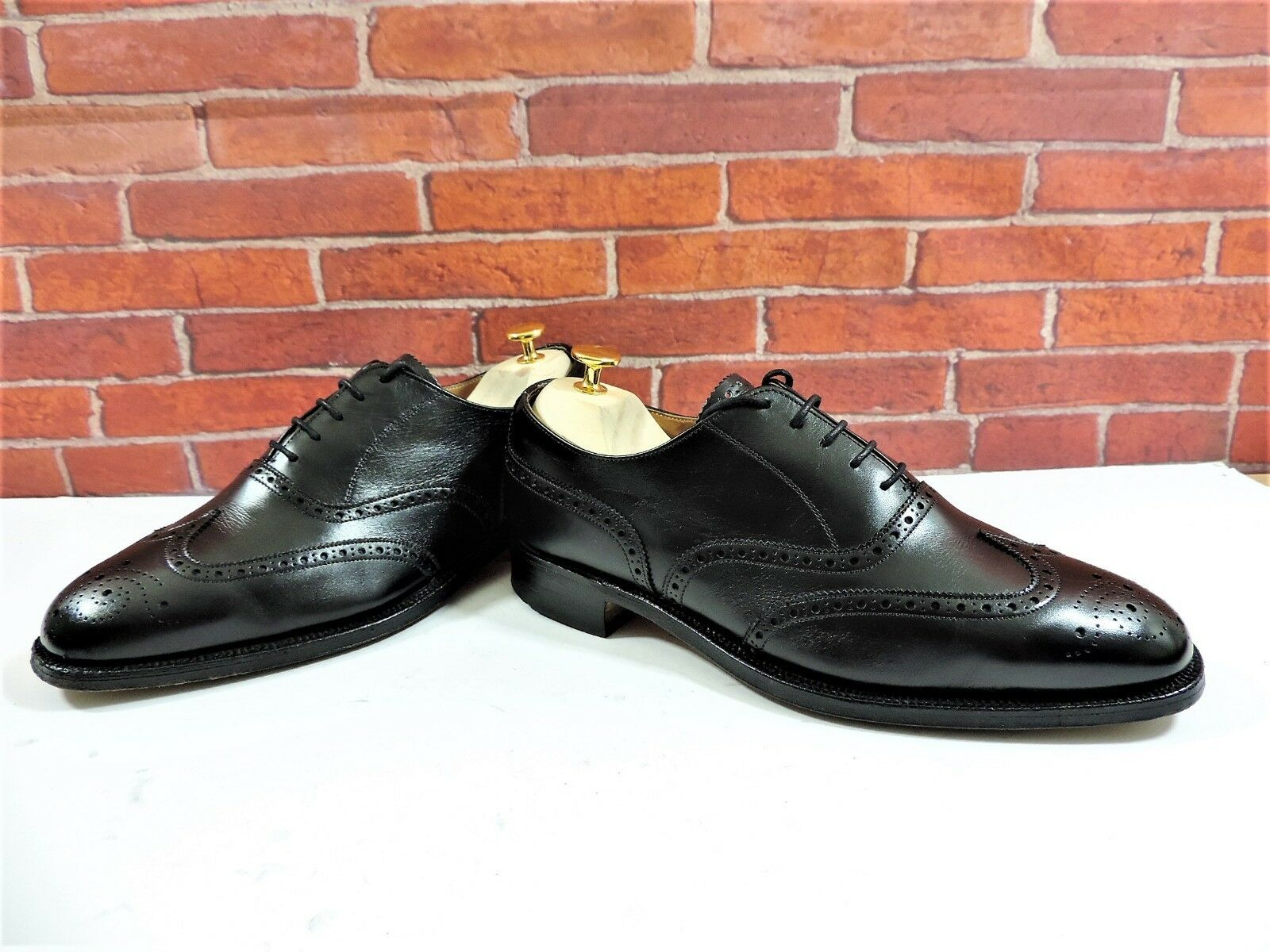 Church's Cheaney Brogues UK 8 US 9 EU 42 F Worn 3 4 times Boxed