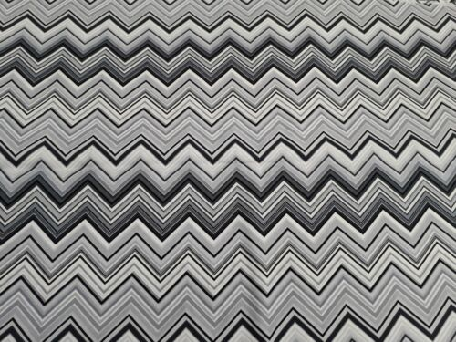 100/% Cotton Fabric Henry Glass Black White /& Bright by Colour  Pattern No.8736M