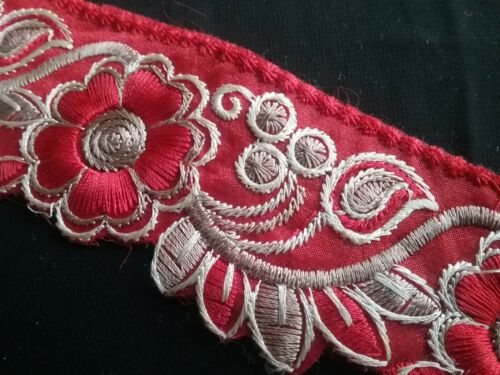 45mm Embroidered Floral Trim//Lace x 1m