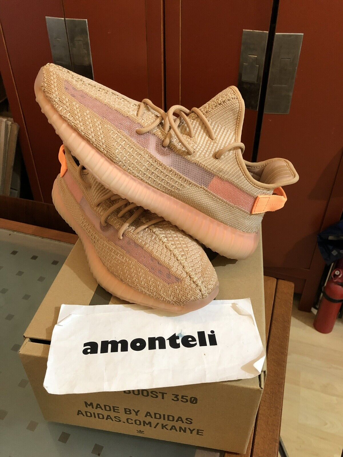 adidas Yeezy Boost 350 V2 Running Shoe for Men, Size 11 Clay