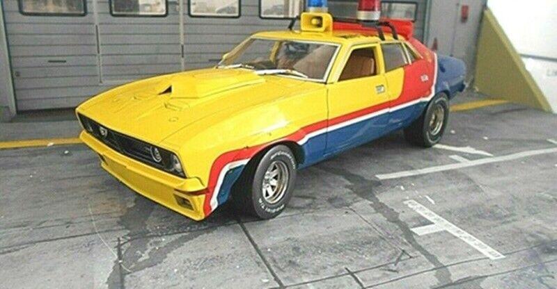 Ford Falcon XB Interceptor Mad Max Police Car 1973 Film Car Movi Greenlight 1 18