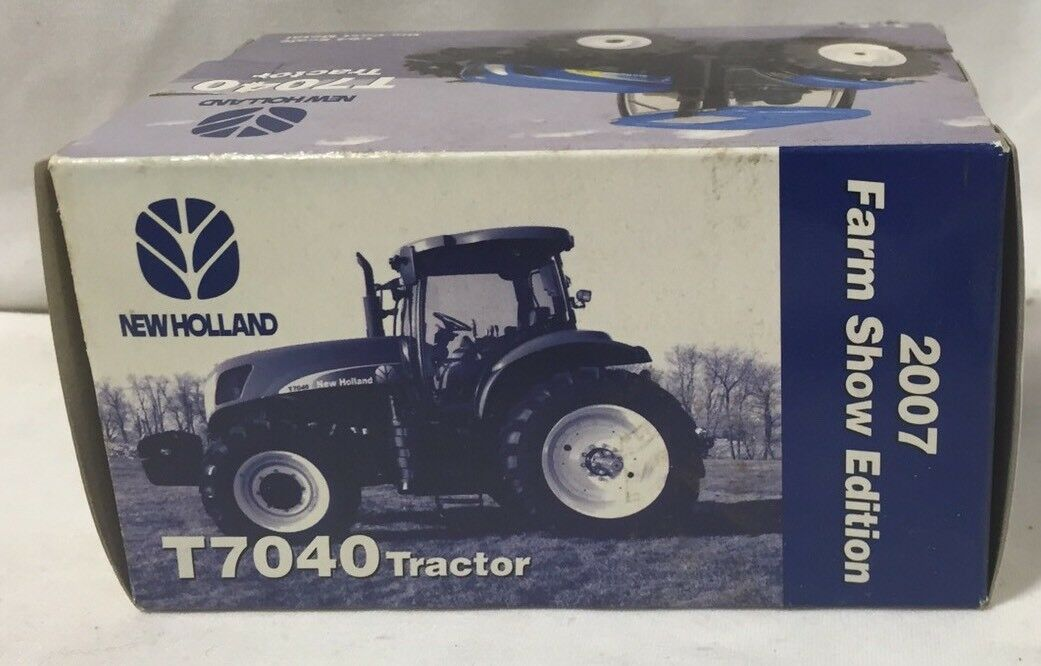 ERTL New Holland T7040 With MFWD 2007 Farm Show Show Show Edition 1/64 NIB 2eedc2