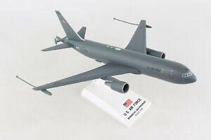 SKYMARKS-SKR995-USAF-KC-46-034-PEGASUS-034-AERIAL-REFUELING-TANKER-1-200-SCALE-MODEL