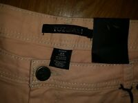 Roz & Ali Womens Capris Size 22 Peach Color Stylish Fashionable