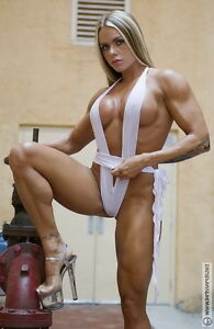 "024 Larissa Reis - Bodybuilder Fitness Model 14""x22"