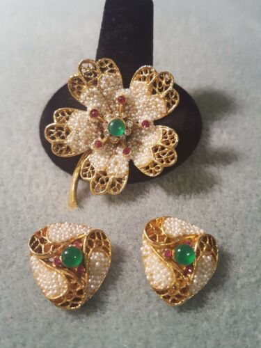 Vintage~BSK~Gorgeous Brooch & Earrings Set~Gold Tone~Signed~With Satin Bag~RARE