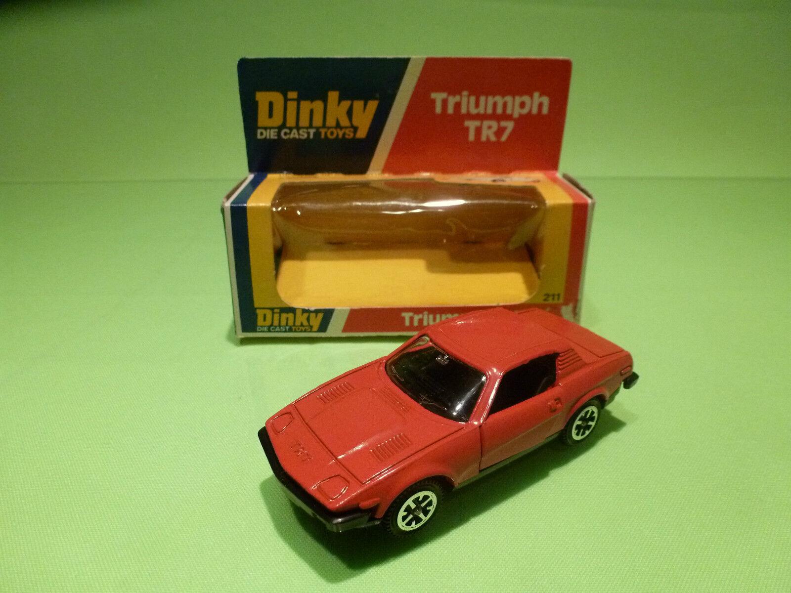 DINKY TOYS 211 TRIUMPH TR7 - rosso - RARE SELTEN - GOOD CONDITION IN BOX