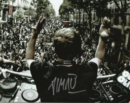 DJ AVICII SIGNED POSTER PHOTO 8X10 RP AUTOGRAPHED LONELY TOGETHER